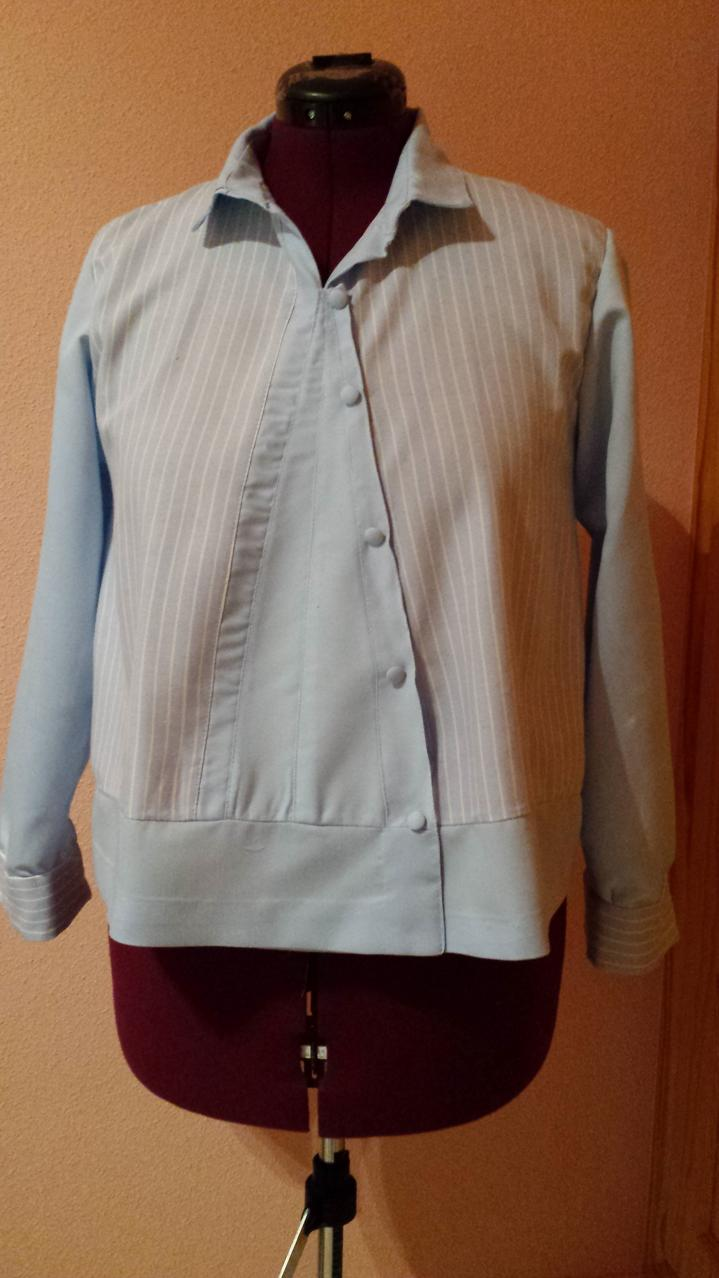 imagen camisa transformada de señora DELANTERO planchada