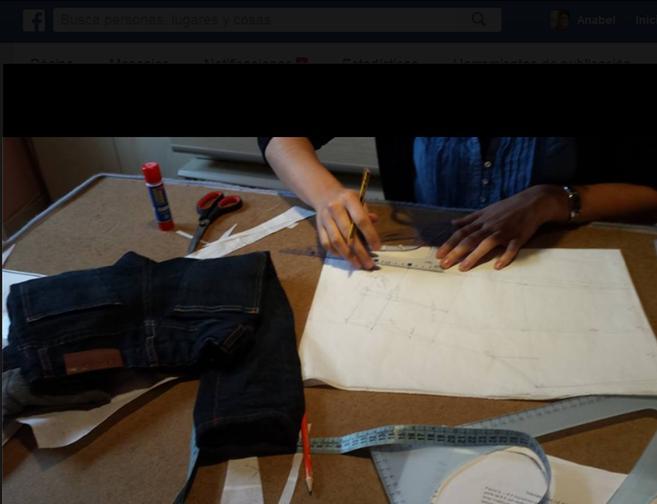 Haciendo el patrón del pantalón a su hijo